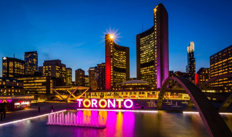 5 Best Places To Visit In Toronto | Unique Things To Do In Toronto